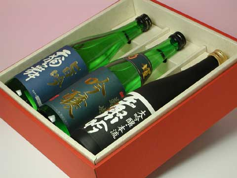 菊姫 吟醸・天狗舞 旨吟・手取川 大吟醸本流の化粧箱入り<吟醸三種セット> 6,300円