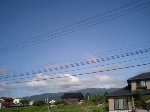 本当に気持ちの良い青空です。 ここ数日の雨は何だったのか…。