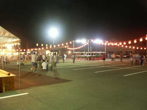 賑やかだった盆踊り大会。