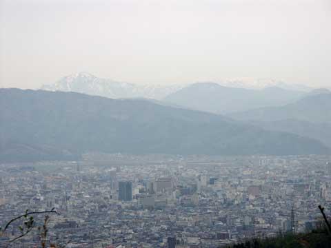 大安禅寺のあるお山の山頂からの眺め(福井市内と白山)