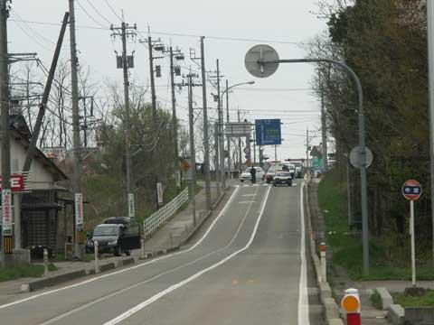 通行規制中、おかげでこの辺りは大渋滞となりました。