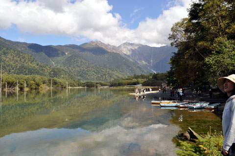 ハイキングの出発点の大正池