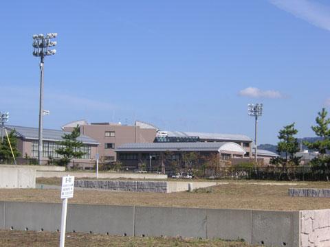 石川県立看護大学、当店から歩いて数分のところにあります