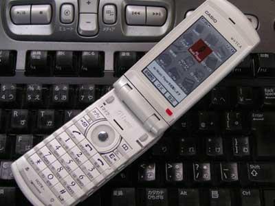 カシオの携帯電話W41CA(AU)
