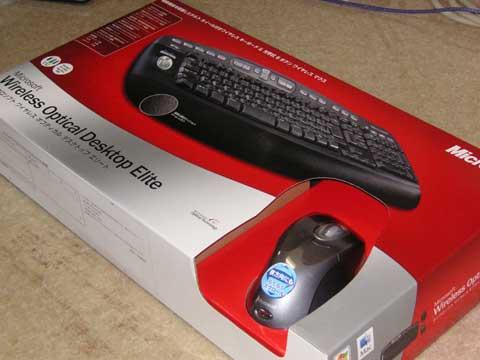 マイクロソフト社の Optical Desktop Eliteと言うマウスとキーボードのセットです。