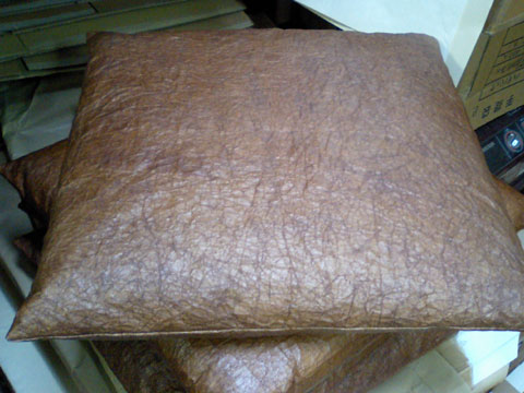 柿渋を塗った和紙で作られている座布団