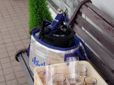 簡易式の生ビールサーバーを取り付けた生樽